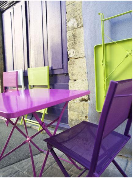 Salon de jardin resine vert anis for Petite table de jardin vert anis