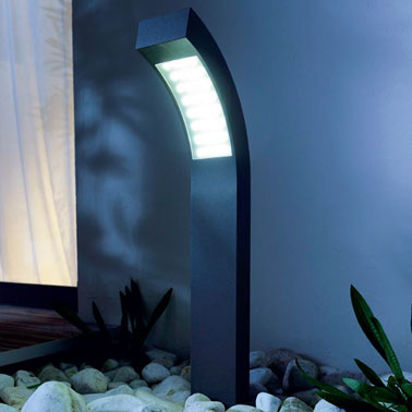 borne luminaire a led pour jardin. Black Bedroom Furniture Sets. Home Design Ideas