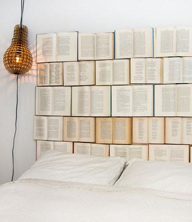 fabriquer une t te de lit avec des livres coll s sur panneau bois. Black Bedroom Furniture Sets. Home Design Ideas