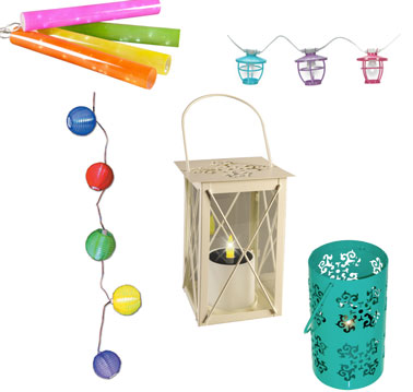 des petits luminaires indispensables pour l'été dans le jardin, lampion,à poser ou crocher, guirlandes lumineuses de couleurs