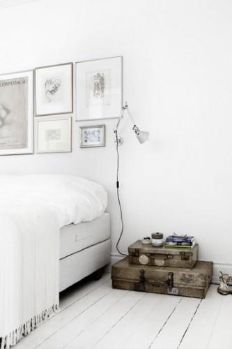 Tete de lit fabriquee avec des portes de recuperation diy - Tete de lit en bois de recuperation ...