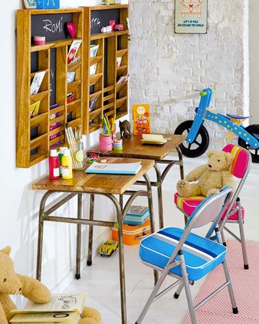 Le bureau d 39 ecolier vintage les enfants adorent - Petit bureau ecolier en bois ...