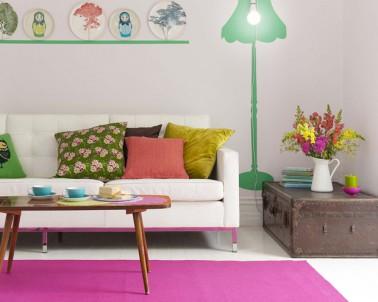 peinture couleur salon pour l 39 agrandir avec du fushia et vert. Black Bedroom Furniture Sets. Home Design Ideas