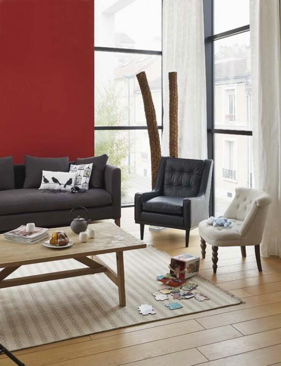 Décoration du salon pour une ambiance épurée avec des touches de couleurs qui apportent une note féminine