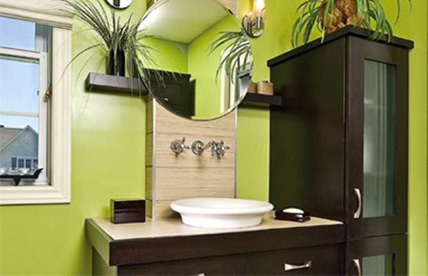 Idee peinture salle de bain verte avec des for Reveil de salle de bain