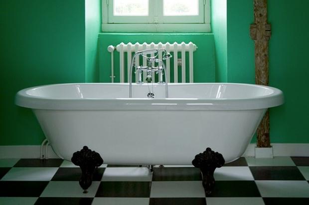Salle de bain vert et blanc - Salle de bain vert et marron ...