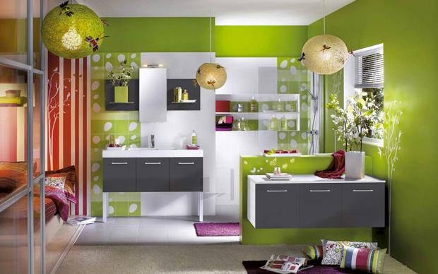 vert olive dans une chambre dado aux couleurs peps rouge et violet ...