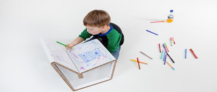 chaises et tabouret design en carton recyclé pour chambre enfant