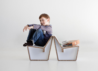 chaise en carton pour enfant kenno design 1. Black Bedroom Furniture Sets. Home Design Ideas