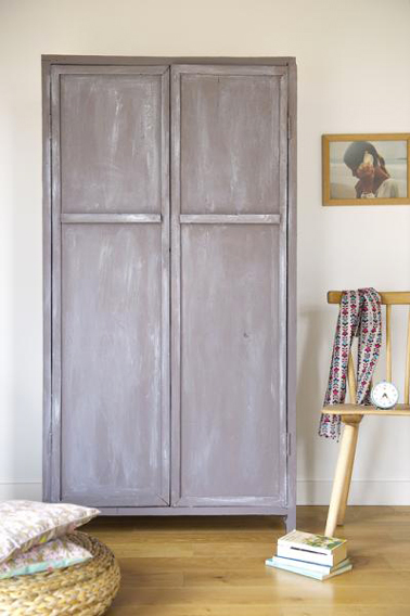 Armoire ancienne peinte effet patine liberon photo apr s - Armoire ancienne relookee ...