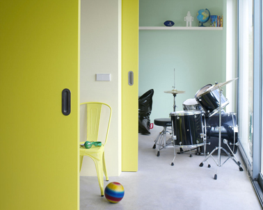 chambre ado couleur jaune et vert sorbet. Black Bedroom Furniture Sets. Home Design Ideas