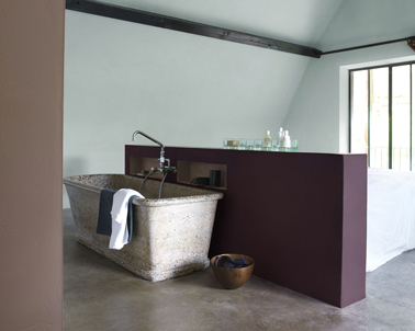 Peinture salle de bain ouverte sur chambre couleur prune for Salle bain ouverte chambre