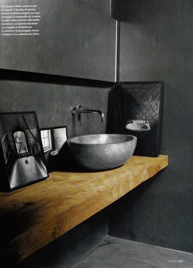 Baño Gris Con Madera:une salle de bain vasque ronde en céramique gris étain sur plan de