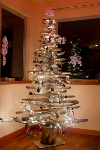 Sapin de noel en bois flotte a faire soi meme - Decoration de noel a faire soi meme en bois ...