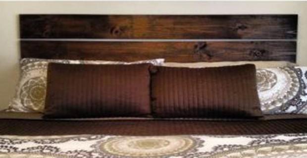 Tete de lit en bois a fabriquer avec planche bois et cire for Tete de lit planche de bois