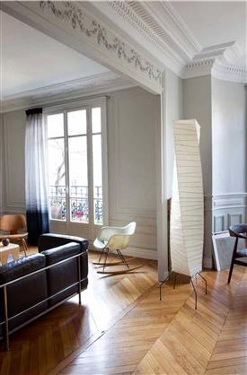 D co salon blanc dans appartement haussmannien for Deco appartement parquet