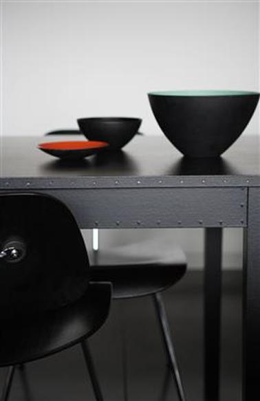 salle manger gris noir et rouge. Black Bedroom Furniture Sets. Home Design Ideas