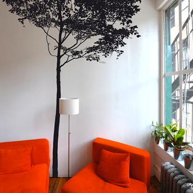 Sticker geant forme arbre couleur noir pour déco salon rouge et blanc
