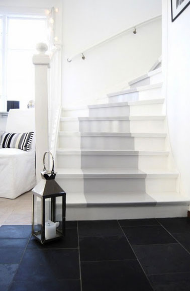 repeindre escalier avec deux couleurs blanc et gris. Black Bedroom Furniture Sets. Home Design Ideas