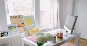 Pour un aménagement bureau dans une pièce dédiée de la maison ou un coin bureau dans le salon ou la chambre trouvez l'inspiration avec ces idées d'aménagement de bureau sympa à installerà la maison.
