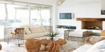 Pour réussir la décoration de son salon 5 astuces pour choisir l'emplacement du canapé, les couleurs idéales, les luminaires et les objets décoration