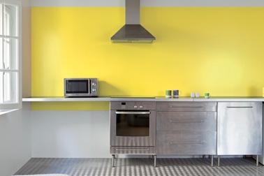 Couleurs Cuisine Avec Une Peinture Murale Tendance - Carrelage mural cuisine jaune pour idees de deco de cuisine