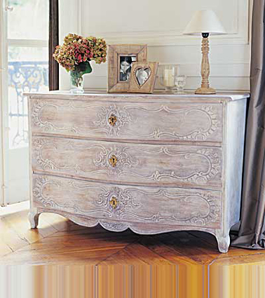 peindre meuble bois effet c ruse blanc liberon sur commode ancienne. Black Bedroom Furniture Sets. Home Design Ideas