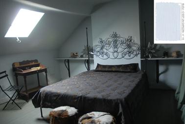Une chambre bleu et brun qui a du caractère  ! Pour les murs une peinture couleur bleu c'est un garçon N°15 Emery & Cie associée à du tons de brun et doré pour le dessus de lit et le secrétaire