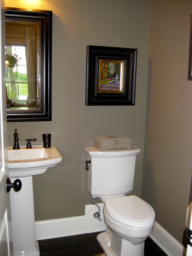 D co wc peinture taupe et blanc miroir marron - Peinture taupe et blanc ...