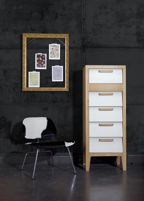 Meuble vintage chiffonnier 5 tiroirs en chene facade blanche for Meuble 5 tiroirs