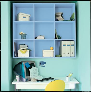 Bleu et vert d'eau, des couleurs fraiches pour peindre un espace bureau. Peinture laque glycéro aspect satin Astral