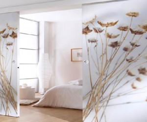 En bois, en verre, ou à peindre la porte coulissante montée sur rail est la solution idéale de séparation de pièce pour optimiser l'espace. Simple ou double vantaux. le coulissant convient pour toutes les pièces de la maison