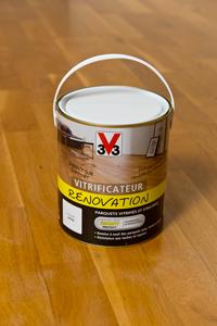 pot vitrificateur renovation parquet V33 disponible en grandes surfaces de bricolage.