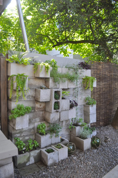idee decoration mur jardin