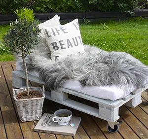 Faire meuble jardin avec palette bois idee deco - Deco jardin avec palettes bois ...