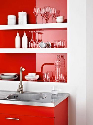 Refaire sa cuisine peindre meuble et cr dence avec r sinence for Peindre un mur de cuisine