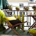 idee deco pour amenager un balcon avec de la couleur
