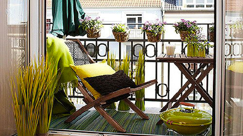 Am nager son balcon avec de la couleur deco - Amenager petit balcon appartement ...