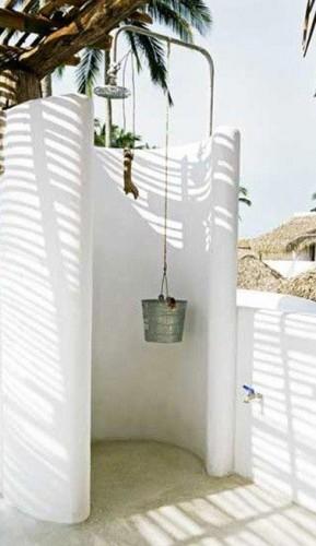 Douche de jardin installer pour l 39 t i d co cool - Construire douche exterieure ...