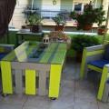 idée déco pour faire salon de jardin en palette bois peint dans de belles couleurs