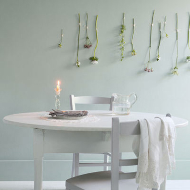 peinture vert gris perfect une salle manger en vert et jaune sur fond with peinture vert gris. Black Bedroom Furniture Sets. Home Design Ideas