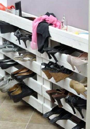 astuce rangement chaussures talon avec des palettes. Black Bedroom Furniture Sets. Home Design Ideas