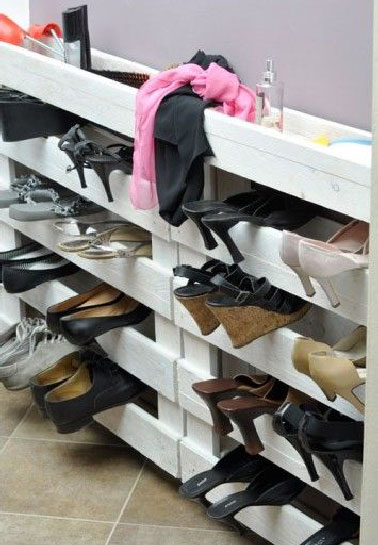 idee rangement chaussures dans placard. Black Bedroom Furniture Sets. Home Design Ideas