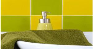 carreaux adhésif à poser sur carrelage mural salle de bain et cuisine