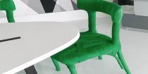 Comment relooker des chaises en bois avec des la peinture et du ruban de couleur