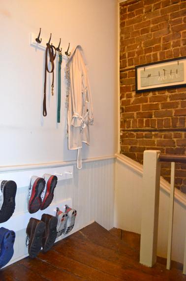 rangement chaussure fait avec tasseaux et pitons bois. Black Bedroom Furniture Sets. Home Design Ideas