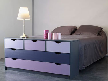 repeindre ses meubles avec une belle couleur peinture. Black Bedroom Furniture Sets. Home Design Ideas