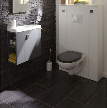Carrelage sol wc gris anthracite et mur en pierre de parement for Carrelage salle de bain gris anthracite et blanc