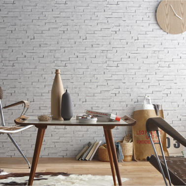 Esprit loft garanti avec ce papier peint imitation briques de parement blanches ! Photo Leroy Merlin