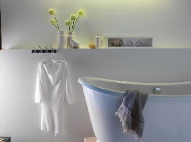 Quelle peinture salle de bain pour murs et carrelage for Quelle peinture pour une salle de bain